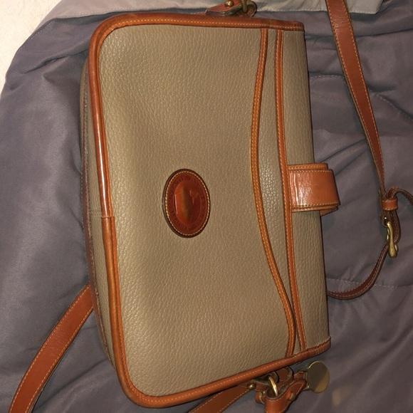 Dooney & Bourke Handbags - Vintage Dooney & Bourke crossbody